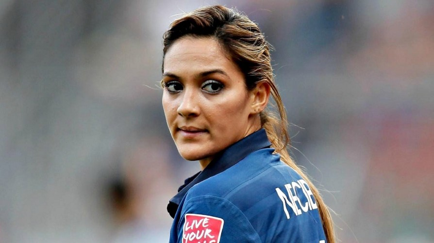 beautiful-olympic-women-louisa-necib